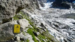 Traversée sous le Glacier de la Charpoua · Alpes, Massif du Mont-Blanc, Mer de Glace, FR · GPS 45°55'18.16'' N 6°56'36.01'' E · Altitude 2341m
