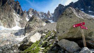 Traversée sous le Glacier de la Charpoua · Alpes, Massif du Mont-Blanc, Mer de Glace, FR · GPS 45°55'13.31'' N 6°56'53.96'' E · Altitude 2423m