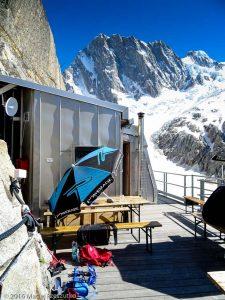 Refuge de Leschaux · Alpes, Massif du Mont-Blanc, Mer de Glace, FR · GPS 45°53'41.41'' N 6°58'50.59'' E · Altitude 2464m