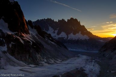 Refuge de Leschaux · Alpes, Massif du Mont-Blanc, Mer de Glace, FR · GPS 45°53'41.68'' N 6°58'51.07'' E · Altitude 2454m