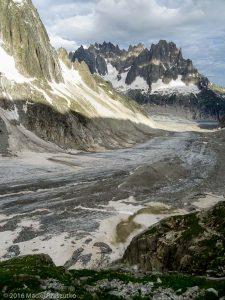 Refuge de Leschaux · Alpes, Massif du Mont-Blanc, Mer de Glace, FR · GPS 45°53'40.63'' N 6°58'50.71'' E · Altitude 2443m