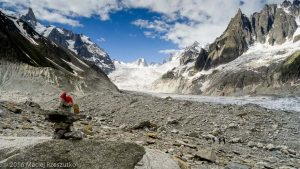 Moraine latérale droite de la Mer de Glace · Alpes, Massif du Mont-Blanc, Mer de Glace, FR · GPS 45°54'18.09'' N 6°56'55.60'' E · Altitude 2123m