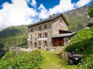 Refuge de Lognan · Alpes, Massif du Mont-Blanc, Vallée de Chamonix, FR · GPS 45°58'13.37'' N 6°57'23.34'' E · Altitude 2005m