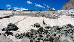 Moraine latérale d'Allalingletscher · Alpes, Alpes valaisannes, Massif de l'Allalin, CH · GPS 46°3'2.34'' N 7°55'28.66'' E · Altitude 2907m