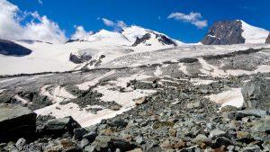 Moraine latérale d'Allalingletscher · Alpes, Alpes valaisannes, Massif de l'Allalin, CH · GPS 46°3'5.08'' N 7°55'34.70'' E · Altitude 2903m