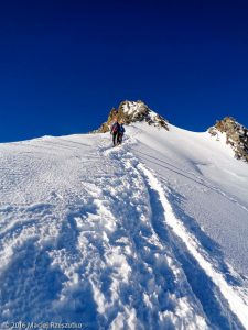 Arête NE du Nadelhorn · Alpes, Alpes valaisannes, Massif de Michabel, CH · GPS 46°6'37.34'' N 7°51'53.95'' E · Altitude 4183m