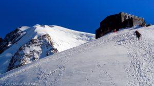 Refuge des Cosmiques · Alpes, Massif du Mont-Blanc, FR · GPS 45°52'24.85'' N 6°53'8.52'' E · Altitude 3587m