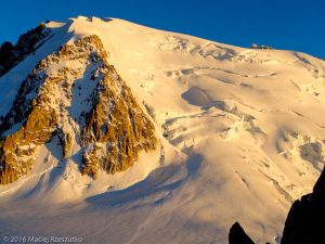 Refuge des Cosmiques · Alpes, Massif du Mont-Blanc, FR · GPS 45°52'23.90'' N 6°53'9.20'' E · Altitude 3580m
