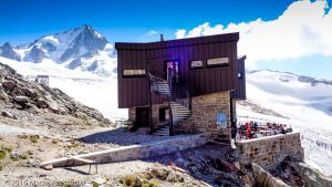 Refuge Albert 1er · Alpes, Massif du Mont-Blanc, Vallée de Chamonix, FR · GPS 45°59'49.00'' N 6°59'11.90'' E · Altitude 2668m