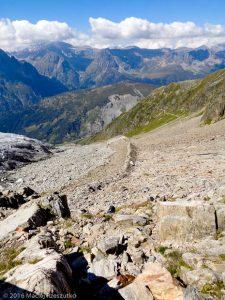 Refuge Albert 1er · Alpes, Massif du Mont-Blanc, Vallée de Chamonix, FR · GPS 45°59'48.66'' N 6°59'11.30'' E · Altitude 2669m
