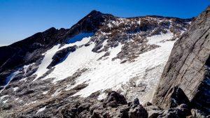 Petit Vignemale · Pyrénées, Hautes-Pyrénées, Vallée d'Ossoue, FR · GPS 42°46'28.67'' N 0°8'6.33'' W · Altitude 3033m
