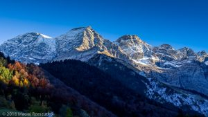 Gavarnie · Pyrénées, Hautes-Pyrénées, Gavarnie, FR · GPS 42°43'38.64'' N 0°0'26.65'' W · Altitude 1422m