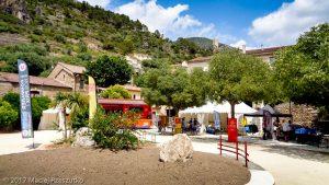 Roquebrun · Hérault, Parc Naturel du Haut-Languedoc, Massif du Caroux, FR · GPS 43°29'59.99'' N 3°1'37.80'' E · Altitude 81m