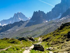 Refuge du Plan de l'Aiguille · Alpes, Massif du Mont-Blanc, Vallée de Chamonix, FR · GPS 45°54'21.91'' N 6°53'1.23'' E · Altitude 2199m