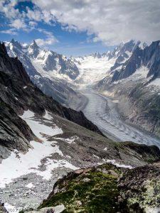 Refuge de la Charpoua · Alpes, Massif du Mont-Blanc, Vallée de Chamonix, FR · GPS 45°55'26.70'' N 6°57'19.03'' E · Altitude 2721m