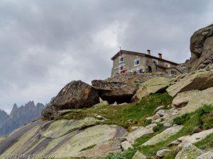Refuge du Couvercle · Alpes, Massif du Mont-Blanc, Vallée de Chamonix, FR · GPS 45°54'36.86'' N 6°57'59.52'' E · Altitude 2552m