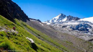 Sentier d'accès au Refuge Albert I · Alpes, Massif du Mont-Blanc, Vallée de Chamonix, FR · GPS 46°0'13.49'' N 6°58'35.47'' E · Altitude 2357m