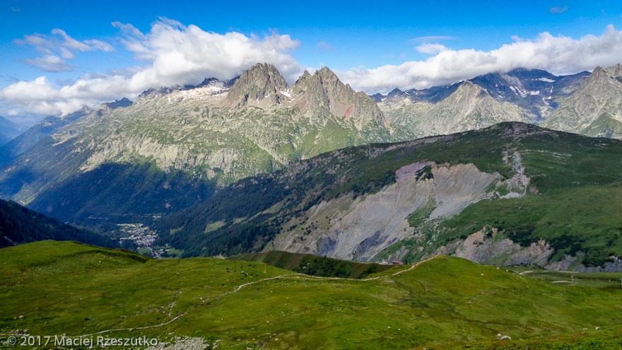 Chemin d'accès au Refuge Albert I · Alpes, Massif du Mont-Blanc, Vallée de Chamonix, FR · GPS 46°0'53.35'' N 6°58'18.30'' E · Altitude 2213m
