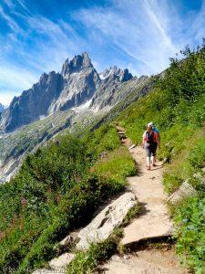 Sentier Montenvers-Signal · Alpes, Massif du Mont-Blanc, Vallée de Chamonix, FR · GPS 45°55'45.83'' N 6°55'0.40'' E · Altitude 1968m