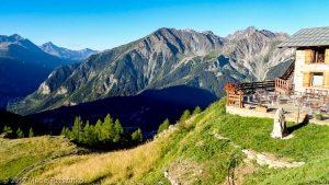 Refuge Bertone · Alpes, Massif du Mont-Blanc, IT · GPS 45°48'31.79'' N 6°58'41.85'' E · Altitude 1989m