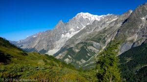 Balcon Bertone-Bonatti · Alpes, Massif du Mont-Blanc, IT · GPS 45°49'36.86'' N 6°59'51.42'' E · Altitude 2011m