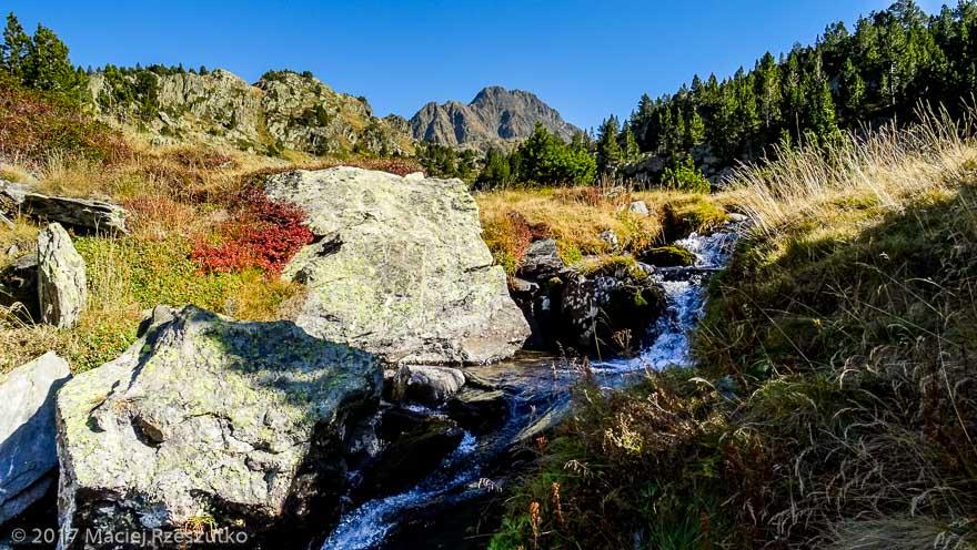 Puig Carlit depuis Rec dels Forats · Pyrénées, Pyrénées-Orientales, Massif du Carlit, FR · GPS 42°34'38.44'' N 1°54'23.51'' E · Altitude 2265m