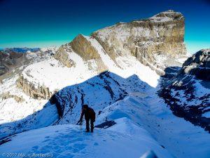 Accés au sommet du Mont Perdu · Pyrénées, Hautes Pyrénées, Parc National du Mont Perdu, FR · GPS 42°40'43.13'' N 0°1'47.19'' E · Altitude 2716m