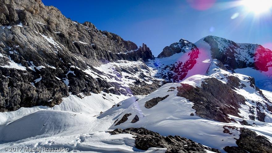 Lac Glacé · Pyrénées, Hautes Pyrénées, Parc National du Mont Perdu, FR · GPS 42°40'49.36'' N 0°1'35.80'' E · Altitude 3307m