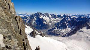 Vallée Blanche depuis la Brèche Médiane · Alpes, Massif du Mont-Blanc, FR · GPS 45°51'16.03'' N 6°53'32.72'' E · Altitude 4017m