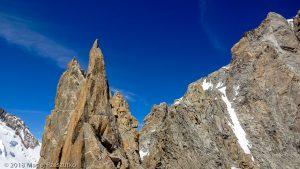 L'Isolée et la Pointe Chaubert depuis la Pointe Médiane · Alpes, Massif du Mont-Blanc, FR · GPS 45°51'15.46'' N 6°53'31.45'' E · Altitude 4097m
