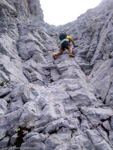 Descente par la voie normale · Alpes, Préalpes de Savoie, Chaîne des Aravis, FR · GPS 45°57'18.13'' N 6°33'16.65'' E · Altitude 2646m