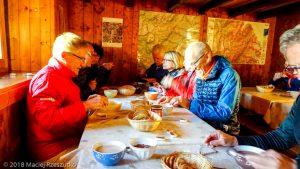 Refuge de la Pierre à Bérard · Alpes, Préalpes de Savoie, Aiguilles Rouges, FR · GPS 46°0'11.01'' N 6°52'7.19'' E · Altitude 1924m
