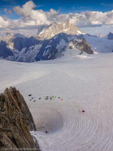 Au Refuge des Cosmiques · Alpes, Massif du Mont-Blanc, Vallée de Chamonix, FR · GPS 45°52'34.90'' N 6°53'13.32'' E · Altitude 3613m