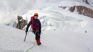 Descente au Col de la Brenva · Alpes, Massif du Mont-Blanc, Vallée de Chamonix, FR · GPS 45°50'45.57'' N 6°52'27.28'' E · Altitude 4289m