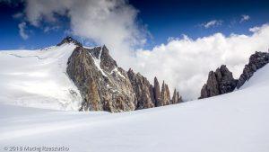 Mont Blanc du Tacul et les Aiguilles du Diable depuis le Col Mau · Alpes, Massif du Mont-Blanc, Vallée de Chamonix, FR · GPS 45°51'12.85'' N 6°52'59.65'' E · Altitude 4024m