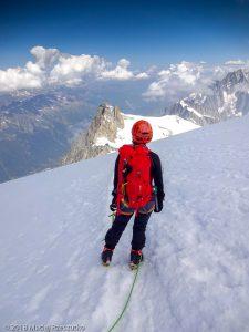 Dans la descente du Tacul · Alpes, Massif du Mont-Blanc, Vallée de Chamonix, FR · GPS 45°51'32.48'' N 6°52'53.00'' E · Altitude 4068m