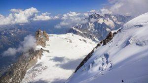 Dans la descente du Tacul · Alpes, Massif du Mont-Blanc, Vallée de Chamonix, FR · GPS 45°51'37.22'' N 6°52'51.61'' E · Altitude 3961m