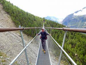 Passerelle suspendu · Alpes, Alpes valaisannes, Massif des Mischabels, CH · GPS 46°6'3.70'' N 7°48'6.78'' E · Altitude 2046m
