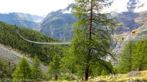 Passerelle suspendu · Alpes, Alpes valaisannes, Massif des Mischabels, CH · GPS 46°6'9.79'' N 7°48'15.39'' E · Altitude 2074m