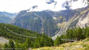 Passerelle suspendu · Alpes, Alpes valaisannes, Massif des Mischabels, CH · GPS 46°6'8.57'' N 7°48'18.29'' E · Altitude 2090m