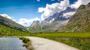 Lac Combal · Alpes, Massif du Mont-Blanc, Val Veny, IT · GPS 45°46'23.92'' N 6°51'52.72'' E · Altitude 1969m