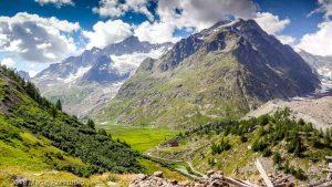 Arête du Mont Favre · Alpes, Massif du Mont-Blanc, Val Veny, IT · GPS 45°46'29.78'' N 6°52'33.75'' E · Altitude 2076m