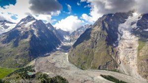 Arête du Mont Favre · Alpes, Massif du Mont-Blanc, Val Veny, IT · GPS 45°46'19.23'' N 6°53'22.35'' E · Altitude 2425m
