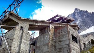 Gare des Glaciers · Alpes, Massif du Mont-Blanc, Vallée de Chamonix, FR · GPS 45°53'16.84'' N 6°52'25.98'' E · Altitude 2406m