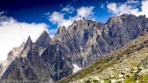 Gare des Glaciers · Alpes, Massif du Mont-Blanc, Vallée de Chamonix, FR · GPS 45°53'20.38'' N 6°52'25.07'' E · Altitude 2350m