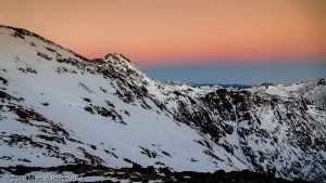 Levé du jour au Montcalm · Pyrénées, Pyrénées ariégeoises, Vallée de I'Artigue, FR · GPS 42°40'28.82'' N 1°23'57.19'' E · Altitude 2824m