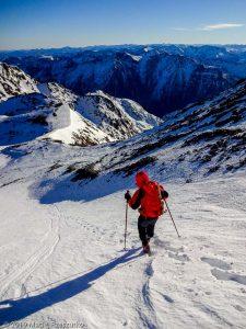 Descente de la Pique d'Estats · Pyrénées, Pyrénées ariégeoises, Vallée de I'Artigue, FR · GPS 42°40'4.87'' N 1°23'50.88'' E · Altitude 3070m