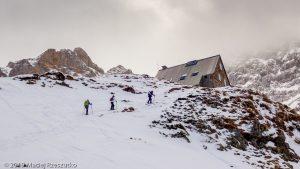 Refuge d'Espuguettes · Pyrénées, Hautes Pyrénées, Gavarnie, FR · GPS 42°43'13.65'' N 0°0'40.86'' E · Altitude 1985m
