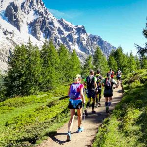 Sentier en balcon entre Bertone et Bonatti, sur le tracé de l'UTMB · Alpes, Massif du Mont-Blanc, Val Ferret Italien, IT · GPS 45°49'12.20'' N 6°58'56.83'' E · Altitude 1945m