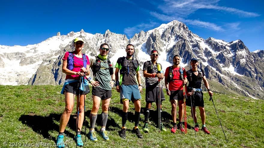 Au-dessus du Val Ferret italien, sur le tracé de la CCC, Grandes Jorasses derrière · Alpes, Massif du Mont-Blanc, Val Ferret Italien, IT · GPS 45°49'26.44'' N 6°59'18.45'' E · Altitude 1920m